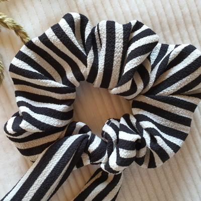 Chouchou à noeud rayé